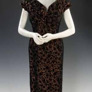 http://newportalri.com/files/original/2006.620 Fath dress.jpg