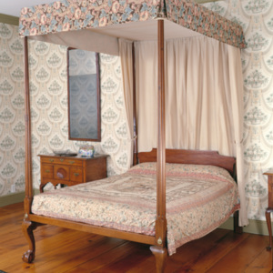http://dev.newportalri.org/files/original/2001.5 Townsend bed.jpg